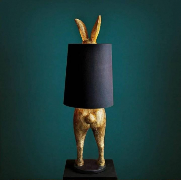 Stehlampe Hiding Rabbit / Hasenlampe in Gold